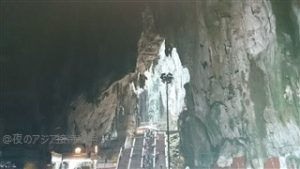 バトゥ洞窟